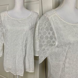 Maurices Circular Pattern Blouse w Flutter Sleeves